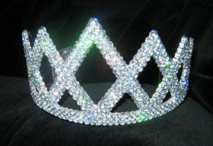 Picture of a children's toy tiara covered in glitter